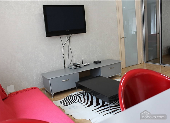 Apartment in the city center, One Bedroom (13910), 002