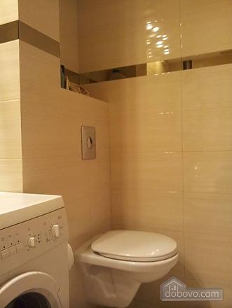Апартаменты в центре города, 2х-комнатная (13910), 010