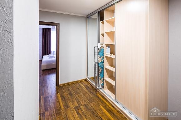 OK апартаменты, 2х-комнатная (18348), 011