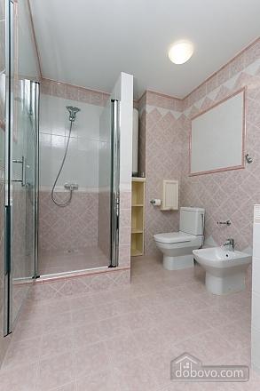 Люкс апартаменти в новому будинку, 3-кімнатна (47612), 003
