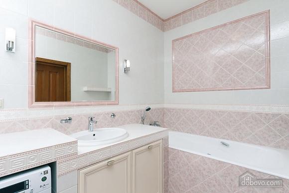 Люкс апартаменти в новому будинку, 3-кімнатна (47612), 004