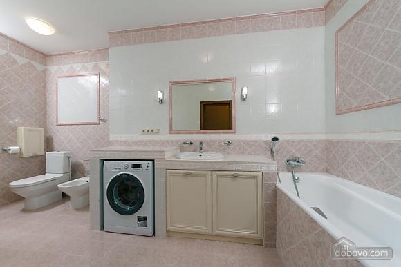 Люкс апартаменти в новому будинку, 3-кімнатна (47612), 005