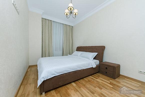 Люкс апартаменти в новому будинку, 3-кімнатна (47612), 008