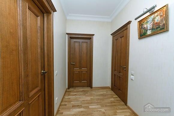 Люкс апартаменти в новому будинку, 3-кімнатна (47612), 011