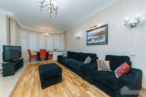 Люкс апартаменти в новому будинку, 3-кімнатна (47612), 001