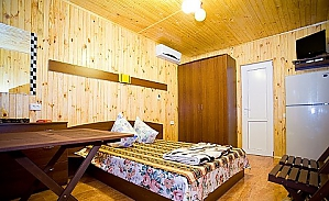 Laguna, Six (+) Bedroom, 001