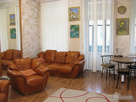 Spacious apartment in historic place, Due Camere (81100), 003