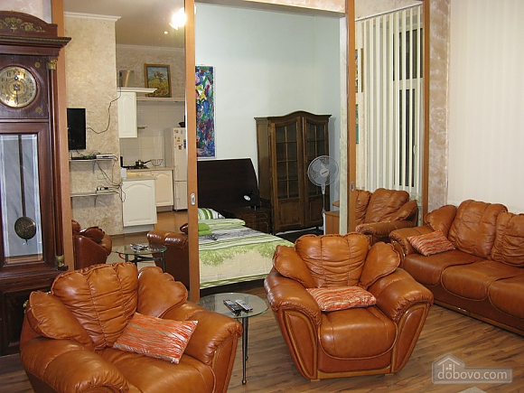 Spacious apartment in historic place, Due Camere (81100), 001