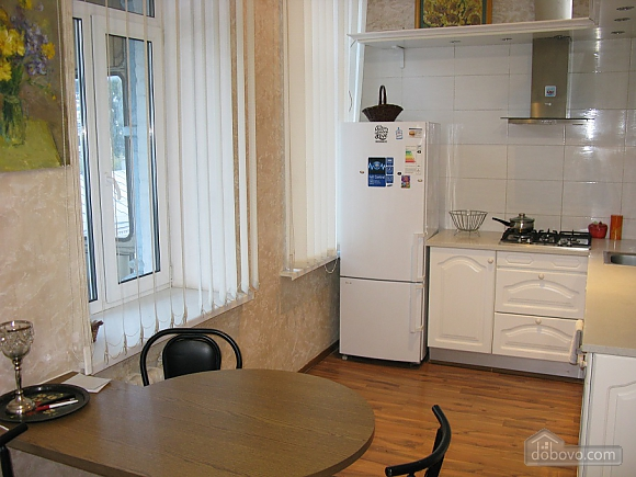 Spacious apartment in historic place, Dreizimmerwohnung (81100), 013