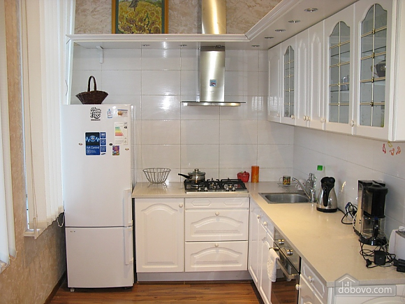 Spacious apartment in historic place, Dreizimmerwohnung (81100), 014