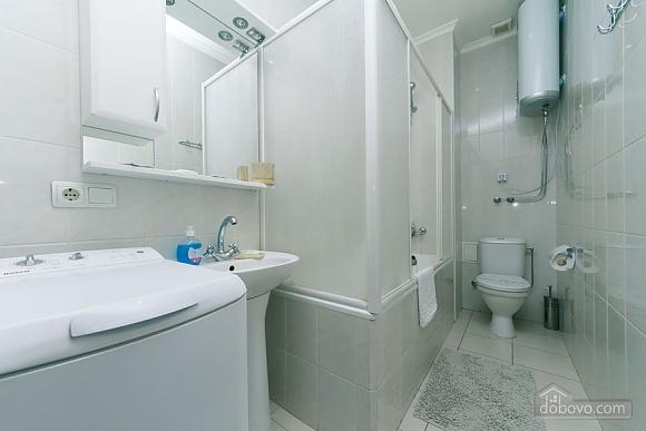 Уютная квартира на Софиевской площади, 2х-комнатная (95034), 003