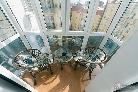 Уютная квартира на Софиевской площади, 2х-комнатная (95034), 005