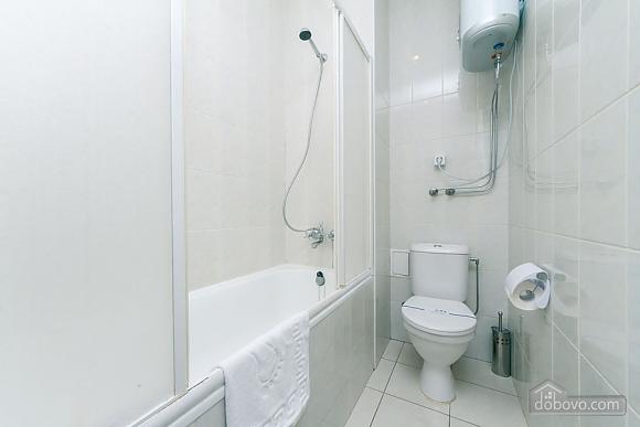 Уютная квартира на Софиевской площади, 2х-комнатная (95034), 006