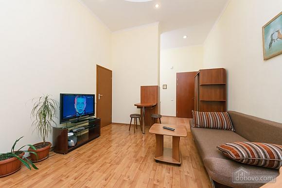 Уютная квартира на Софиевской площади, 2х-комнатная (95034), 002