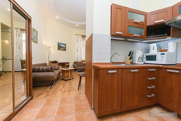Уютная квартира на Софиевской площади, 2х-комнатная (95034), 008