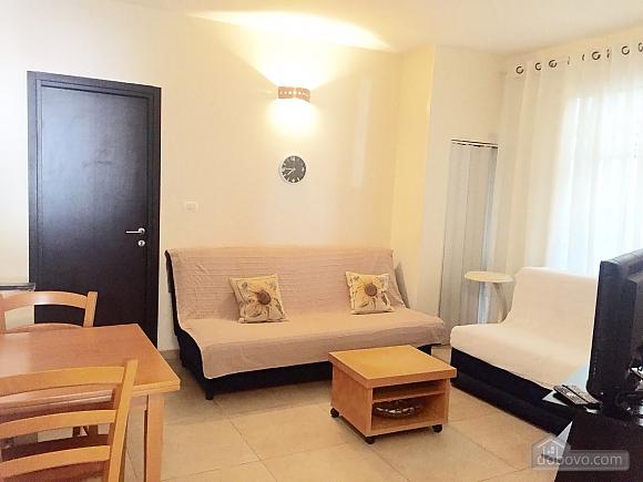 Квартира возле моря, 3х-комнатная (65201), 001