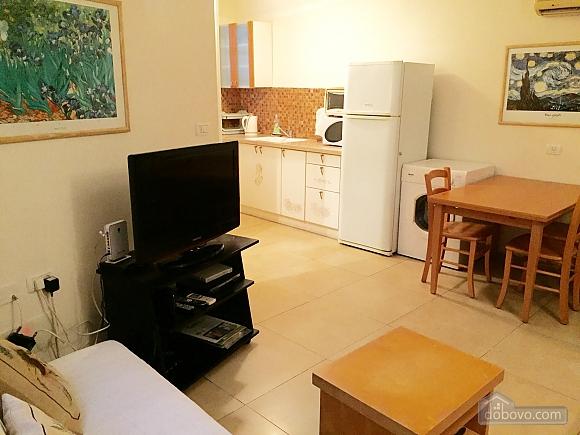 Квартира возле моря, 3х-комнатная (65201), 003