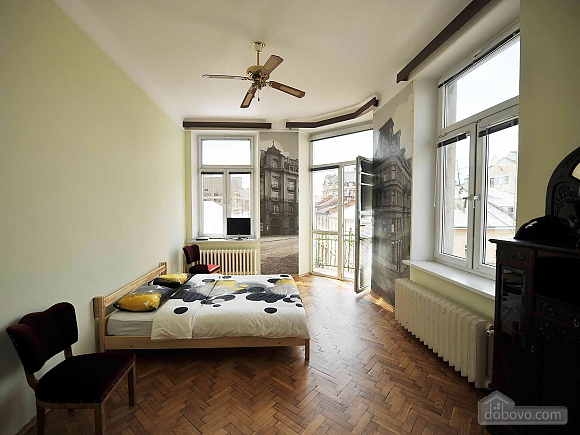 Apartment with separate bedrooms and lovely views, Tre Camere (96580), 002