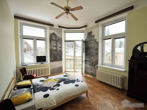 Apartment with separate bedrooms and lovely views, Tre Camere (96580), 001