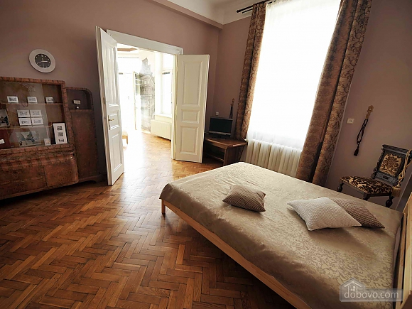 Apartment with separate bedrooms and lovely views, Tre Camere (96580), 007