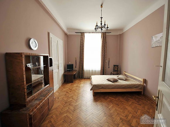 Apartment with separate bedrooms and lovely views, Tre Camere (96580), 012