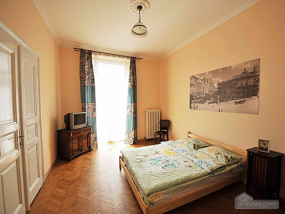 Apartment with separate bedrooms and lovely views, Tre Camere (96580), 013