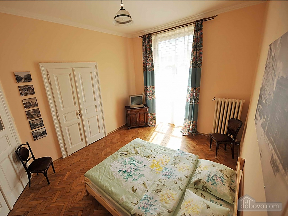Apartment with separate bedrooms and lovely views, Tre Camere (96580), 015
