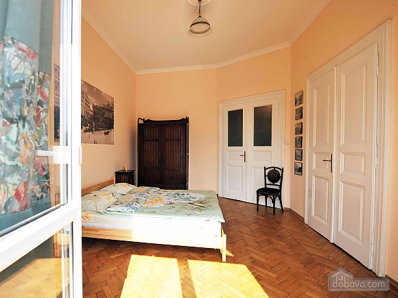 Apartment with separate bedrooms and lovely views, Tre Camere (96580), 017