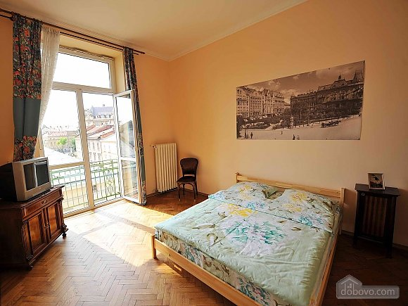 Apartment with separate bedrooms and lovely views, Tre Camere (96580), 020