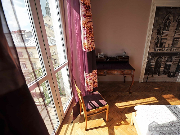 Apartment with separate bedrooms and lovely views, Tre Camere (96580), 024