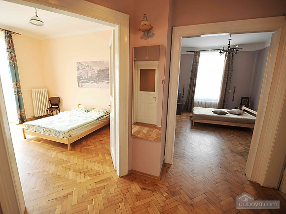 Apartment with separate bedrooms and lovely views, Tre Camere (96580), 028