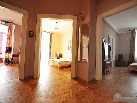 Apartment with separate bedrooms and lovely views, Tre Camere (96580), 029