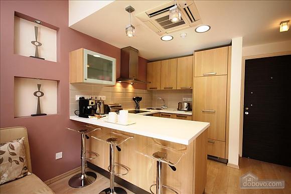 One Bedroom Ground Floor Apartment, Un chambre (84403), 003
