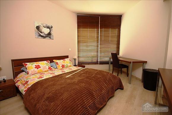 Двухкомнатная квартира на первом этаже, 2х-комнатная (84403), 007