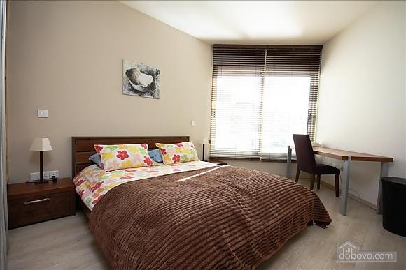 Двухкомнатная квартира на первом этаже, 2х-комнатная (84403), 008