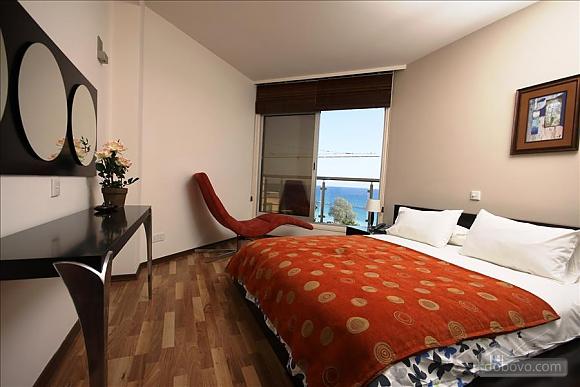 Покращена двокімнатна квартира з боковим видом на море, 2-кімнатна (97706), 003