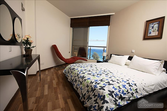 Покращена двокімнатна квартира з боковим видом на море, 2-кімнатна (97706), 001