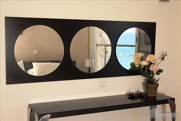 Покращена двокімнатна квартира з боковим видом на море, 2-кімнатна (97706), 005