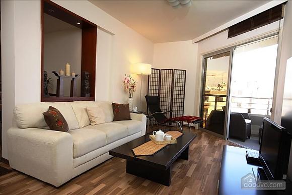 Покращена двокімнатна квартира з боковим видом на море, 2-кімнатна (97706), 010