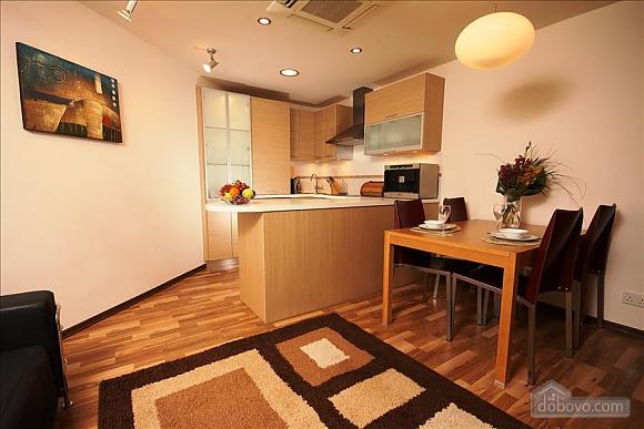Покращена двокімнатна квартира з боковим видом на море, 2-кімнатна (97706), 013