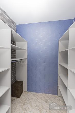 Designer apartment in Peremohy park, Studio (17360), 011