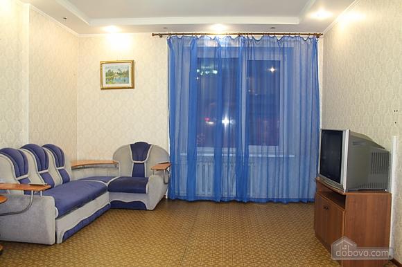 Апартаменты в центре, 2х-комнатная (92257), 001