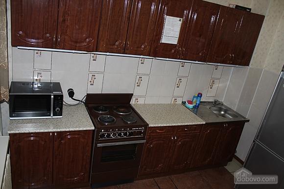 Апартаменты в центре, 2х-комнатная (92257), 002