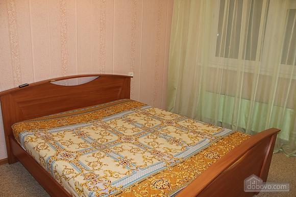Квартира в центрі недорого, 2-кімнатна (68122), 002