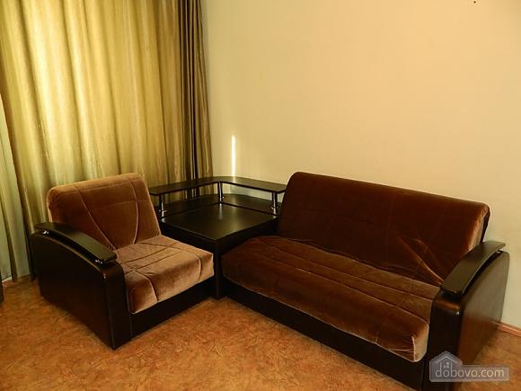 Бюджетная квартира, 1-комнатная (77111), 002