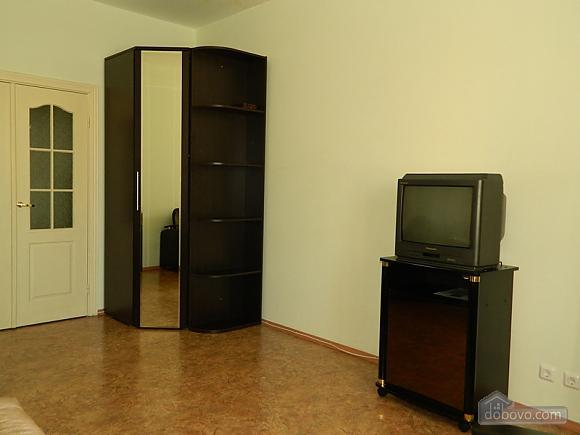 Бюджетная квартира, 1-комнатная (77111), 003