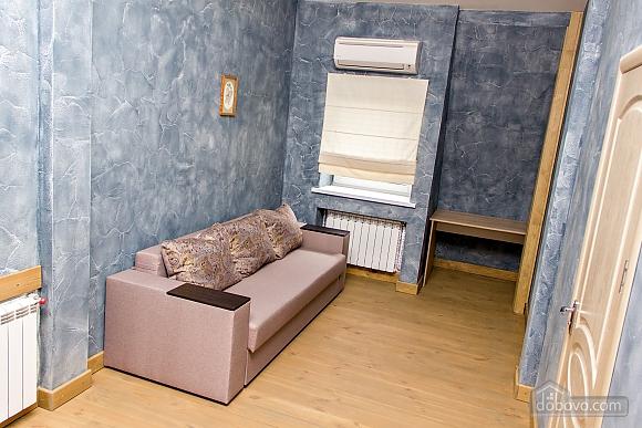 Apartment near Ploscha Vostannya metro station, Un chambre (42277), 001