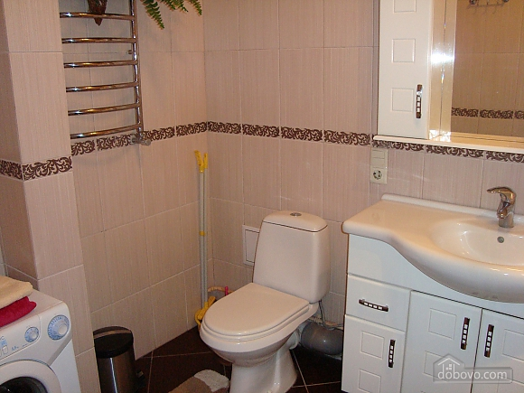 Luxury apartment in the center near the department store Ukraina, Studio (64611), 007