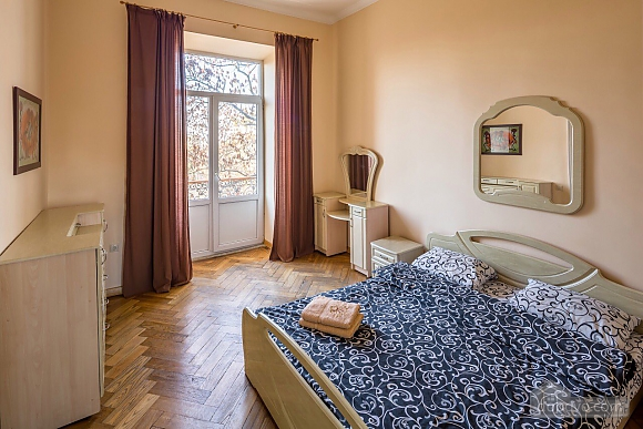 Apartment in the center of Lviv, Una Camera (73733), 001
