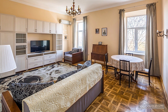 Apartment in the center of Lviv, Una Camera (73733), 003